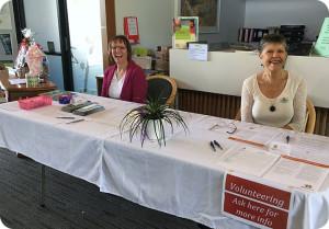 open-day-2016-info-volunteering-table02