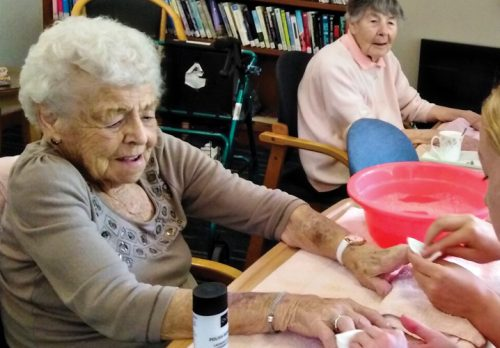 When St Kentigern students visited in November, they were kept busy wrapping Christmas presents, decorating trees, and providing manicures for our residents.